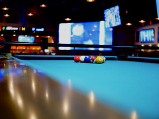 Montgomery Pool Table Moves Content img
